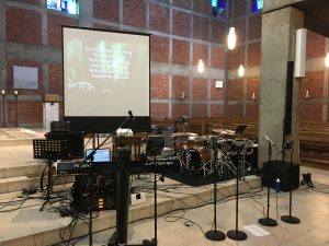 Lobpreis Musik im katholischen Gottesdienst - Popkantor Markus Galla mit Band in St. Antonius im Bistum Essen